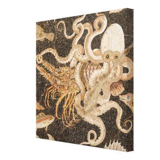 Mosaico do polvo que esforça-se com as canvas das