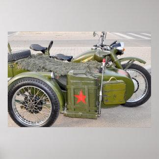 motocicleta 750B-2 com um side-car Pôsteres