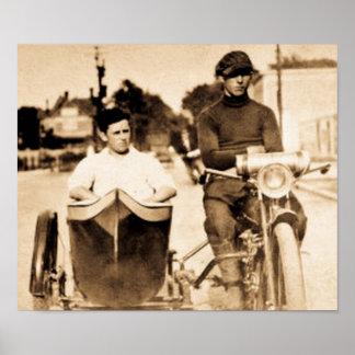 Motocicleta foragido & side-car do motociclista do poster