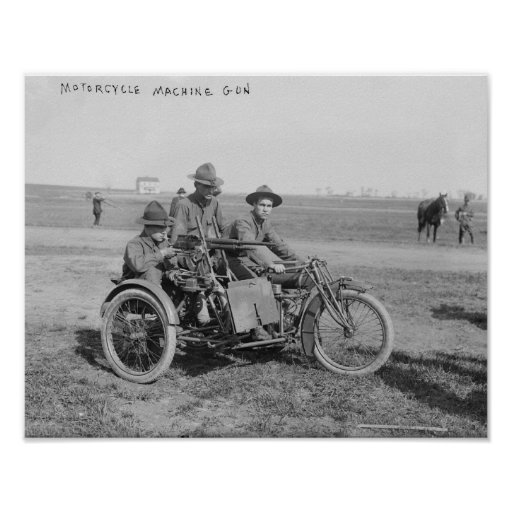 Motocicleta militar com side-car e metralhadora posteres