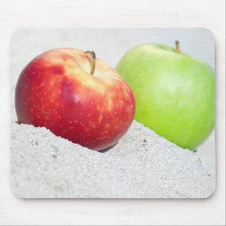 Mousepad maçãs na areia