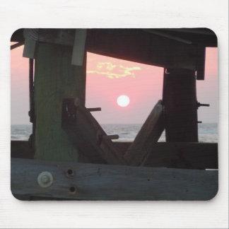 Mousepad Por do sol através do cais - ilha do carvalho, NC