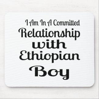 Mousepad Relação com menino etíope