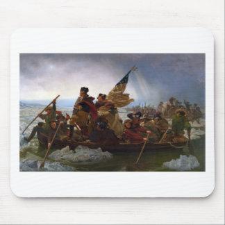 Mousepad Washington que cruza arte do Delaware - E.U. do