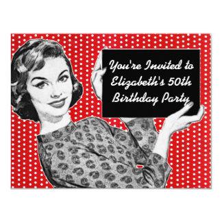mulher dos anos 50 com um aniversário do sinal convite 10.79 x 13.97cm