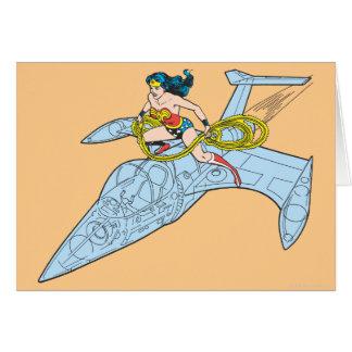 Mulher maravilha na nave espacial cartão comemorativo