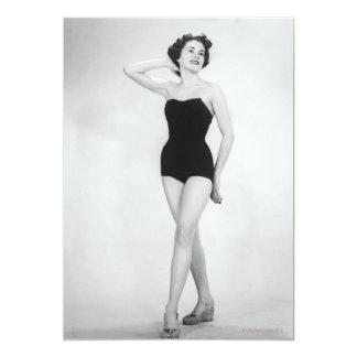 Mulher no espartilho preto convite 12.7 x 17.78cm