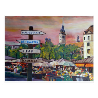 Munich Baviera Viktualienmarkt com letreiros Cartão Postal