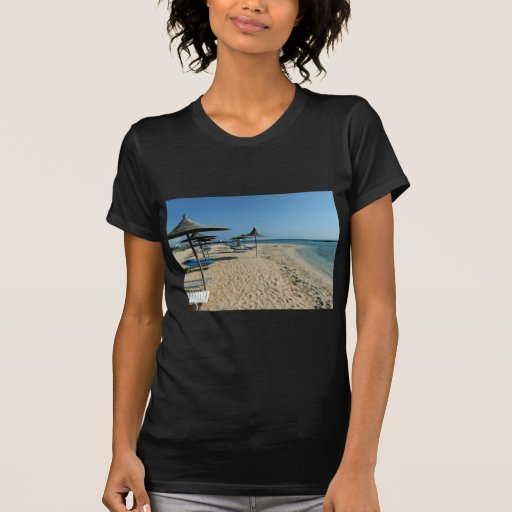 Na praia tshirts