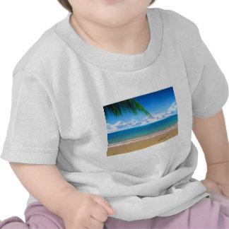 na praia camiseta