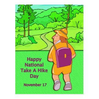 Nacionais felizes tomam caminhada dia um 17 de cartão postal