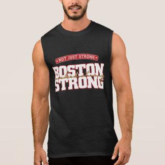Não apenas forte. Boston forte. … Tanque mau Regata