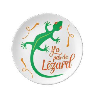 Não há nenhum lagarto - provérbio francês prato de porcelana