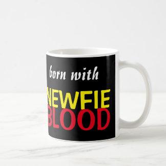Nascer com a caneca do sangue de Newfie