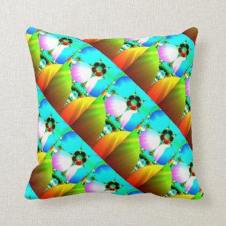 Nascer do sol de cristal - arco-íris abstrato do F Travesseiros