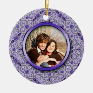 Natal de prata roxo ornamentado da foto de ornamento de cerâmica redondo