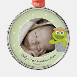 Natal do bebê de Oscar | o primeiro - adicione seu Ornamento Redondo Cor Prata