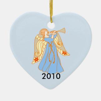 Natal do bebê do coração do anjo azul o ø ornamento de cerâmica coração