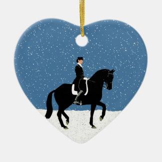 Natal nevado do cavalo do adestramento ornamento de cerâmica coração