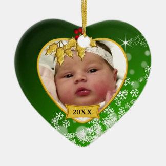 Natal novo verde nevado da foto do bebê ornamento de cerâmica coração