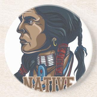 Nativo americano orgulhoso porta-copos