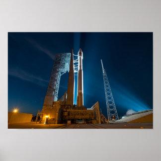 Nave espacial do Cygnus pronta para o lançamento Pôster