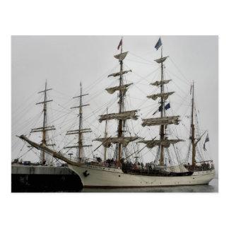 Navio alto do Europa no cartão do porto de Halifax Cartão Postal