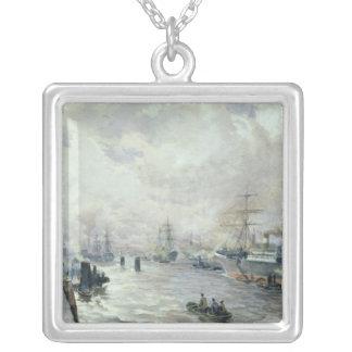 Navios de navigação no porto de Hamburgo, 1889 Colar Banhado A Prata