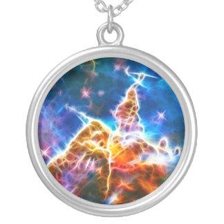 Nebulosa místico da montanha colar com pendente redondo