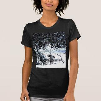 Neve nas madeiras camisetas