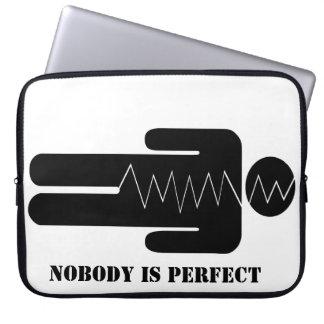 Ninguém é perfeito capas para notebook