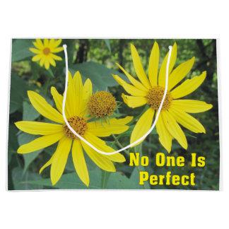 Ninguém é saco amarelo perfeito do presente dos sacola para presentes grande