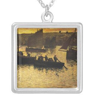 No porto, 1895 colar banhado a prata