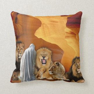No travesseiro do antro dos leões