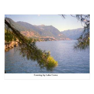 Noite ao lado do lago Como Cartão Postal