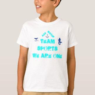 Nós de esporte de equipe de esporte somos um t-shirts