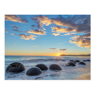 Nova Zelândia, ilha sul, pedregulhos de Moeraki Cartão Postal