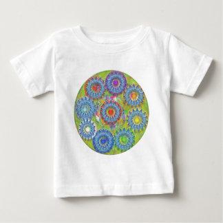 Nove 3D estrelas azuis - ponto da cor no centro Tshirts