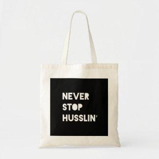 Nunca pare o branco inspirado do preto das bolsa para compras
