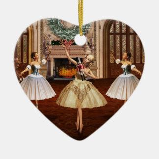 Nutcracker - ornamento italiano do coração de Buon