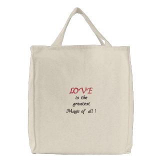 O amor é a grande mágica de tudo! - saco bordado bolsas bordadas