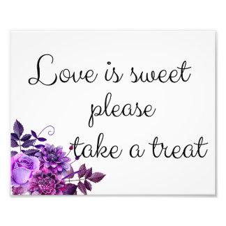 O amor é doce toma um sinal do deleite. Poster do Impressão De Foto