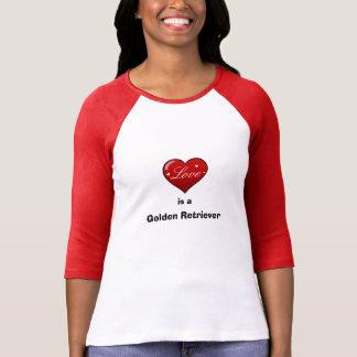 O amor é um golden retriever camiseta
