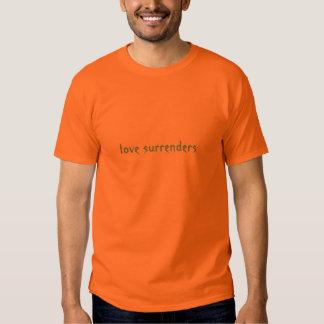 O amor rende-se (luz - o azul na laranja) tshirt