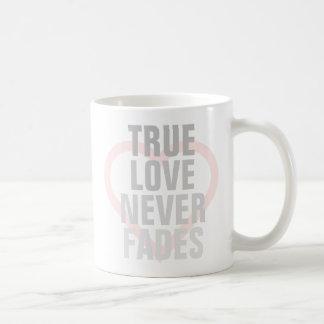 O amor verdadeiro nunca desvanece-se caneca
