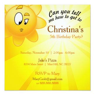 O aniversário convida o cartão convite quadrado 13.35 x 13.35cm