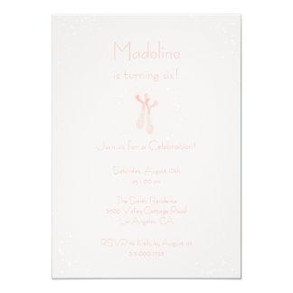 O aniversário cor-de-rosa bonito dos deslizadores convite 12.7 x 17.78cm