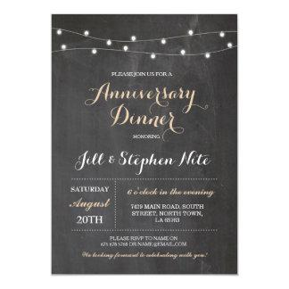 O aniversário de casamento rústico ilumina o convite 12.7 x 17.78cm