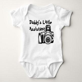 O assistente pequeno do pai tshirt