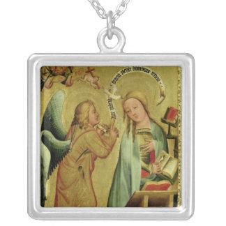 O aviso do altar alto colar personalizado